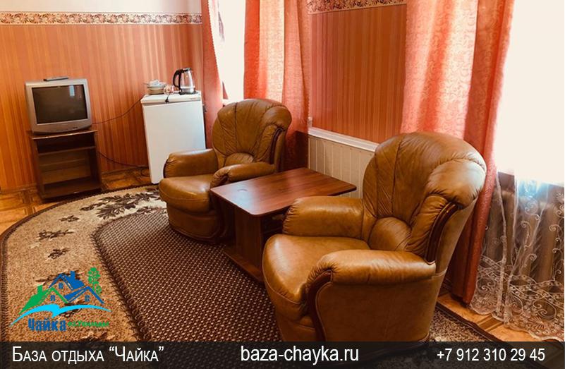 База Чайка озеро Увильды Челябинская область - Екатеринбург. Гостиная Люкс